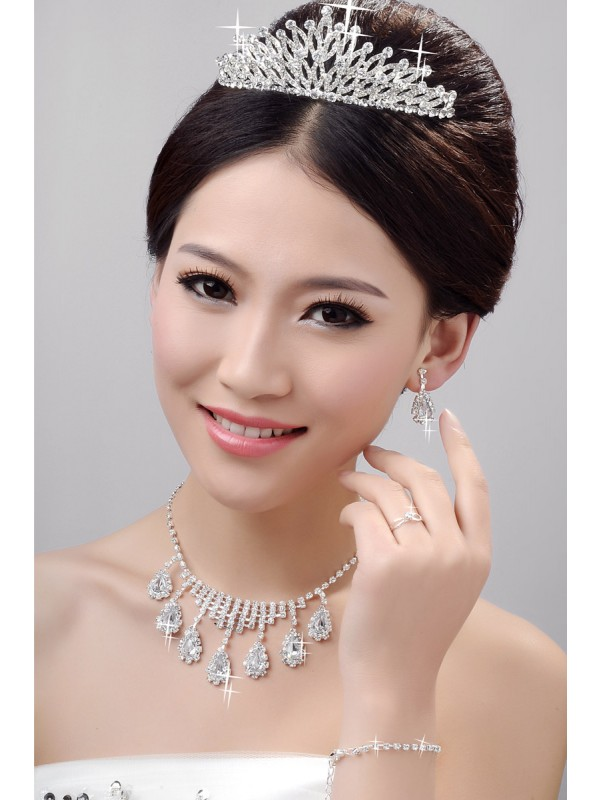 Awesome Alloy Clear Kristalls Wedding Party Earrings Set